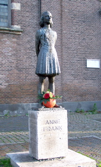A statue of Anne Frank in Utrecht